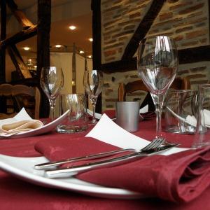 Auvergne-Allier-Moulins-Restaurant-la-petite-Auberge